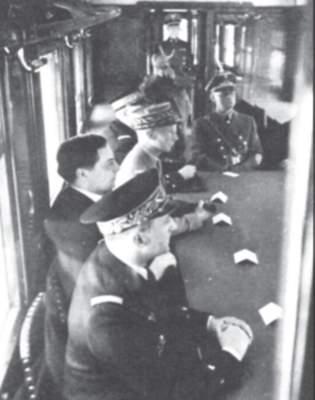 Deutsch-französische Waffenstillstandsverhandlung bei Compiègne.